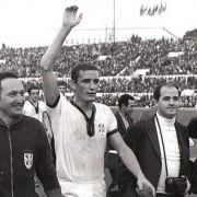 """Anche Gigi Riva lo ha capito: """"La Sardegna è senza speranza"""". Perché senza una classe dirigente credibile, nessun progetto di rilancio è credibile"""