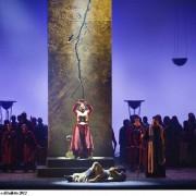 """""""Tutto quello che avreste sempre voluto sapere sul Teatro Lirico e non avete mai osato chiedere"""", di Gianluca Floris"""