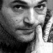 In ricordo di Sergio Atzeni: uno scrittore senza eredi e che oggi avrebbe compiuto sessant'anni. E che molti hanno rimosso