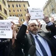 Beppe Grillo, un comico miracolato dal web. M5S in caduta libera: di credibilità più che di consensi