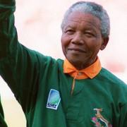 """""""Addio Mandela, un po' Pertini un po' Papa Francesco. Mi ricordo, 27 anni fa, nella spiaggia di Bloeburgstrand…"""", di Pietro Porcella"""