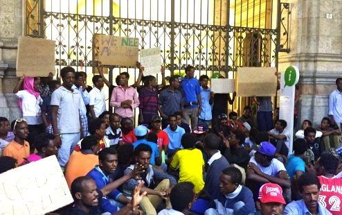 A Cagliari una iniziativa di accoglienza straordinaria per i profughi eritrei, ecco cosa serve! E buon Ferragosto a tutti