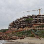 Il senso della nuova legge urbanistica? Cementificare le coste, facendo credere di non farlo
