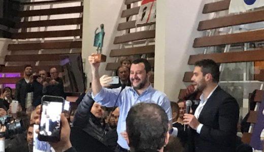 Privatizzare la sanità e per il resto non cambiare nulla: ecco il progetto di Salvini per la Sardegna (che piace anche al Pd)